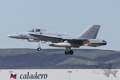 McDonnell Douglas EF-18M Hornet (Newdawn images) Tags: plane airplane aircraft aviation military jet aeroplane zaragoza hornet jetfighter mcdonnelldouglas militaryjet 1522 canonef100400mmf4556lisusm spanishairforce ala15 canoneos6d ef18m ce1535
