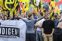 D3s_20160611_155449_02 (martin juen) Tags: vienna wien demo austria österreich demonstration polizei rechts aut barrikaden nationalismus gegendemo pfefferspray barrikade polizeigewalt rechtsextrem martinjuen revisonismus identitär identitäre 12062016 12juni2016