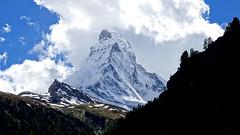 Horn mit Wolken (swissfotonet) Tags: zermatt matterhorn wallis valais horu