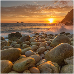Sunset Splash (keety uk) Tags: engand landsend sunset uk photokeetynet stunning porthnanven cornwall stuartbennett stjust