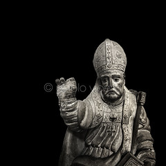 Obispo III (Gallo Quirico) Tags: sculpture olympus escultura bishop zuiko e5 obispo astorga 714mm