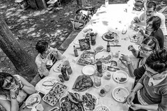 Grigliata (auredeso) Tags: grigliata bn nikon d7100 bianco nero tavola mangiare cibo