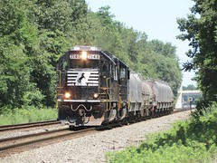Norfolk Southern Chicago Line (codeeightythree) Tags: railroad ns norfolksouthern railroading b08 gp60 norfolksouthernrailroad rollingprairie coilcars rollingprairieindiana nsb08 steelcoiltrain norfolksouthernchicagoline stellcoilcars