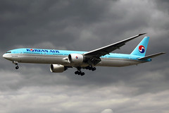 Korean Air Boeing 777-3B5(ER) HL7783 LHR 18-05-13 (Axel J. - Aviation Photography) Tags: london airport heathrow aircraft aviation airline boeing flughafen flugzeug 777 aeropuerto flugplatz avion lhr airfield aviao aviones vliegtuig aviacin luftfahrt luchthaven koreanair fluggesellschaft hl7783