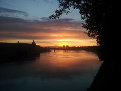 Sunset in Toulouse (Viictor B) Tags: reflections flickrandroidapp:filter=none sunsetsunshinesunrise awesomebeautifulwonderfultoulousecityriverbridgefrance