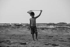 nayembe-malta-1-56 (www.nayembe.com) Tags: sol mar malta bikini niño ukelele pescando plaa