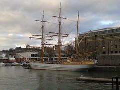 buildings bristol shipsboats dockswaterways