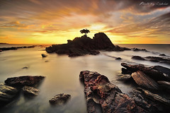 A Little Dream (zakies) Tags: sunset rock stone slowshutter bonsai sabah bonzai labuan nikond700 sabahisland alittledream layanglayangan sabahsunset zakiesphotography mohdzakishamsudin amazingsabah zakiesphoto