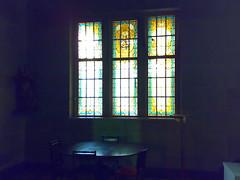 tranquilidade - tranquility (c.defacio) Tags: lines linhas corner table twilight quiet dusk tranquility stainedglass tranquilidade nook mesa silencio retirement descanso janelas vitrais recanto penumbra halflight linescurves linhascurvas
