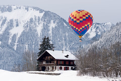 DSC08899_s (AndiP66) Tags: winter snow mountains hot festival schweiz switzerland suisse mark sony air ballon january ii hotairballoon alpen alpha peters ballons 77 ssm januar vaud heissluftballon châteaux 2015 waadt châteaudoex f456 schweizeralpen doex 70400mm cantondevaud festivaldeballons festivalinternationaldeballons andreaspeters kantonwaadt châteaud'œx 77m2 sal70400g2 sony70400mmf456gssmii a77ii ilca77m2 77ii 77markii slta77ii