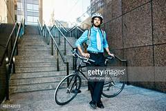 bicicletta 2 (quintaainveruno) Tags: fotografia citt bicicletta elmetto caucasico