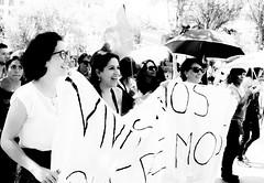 Marchando sonriendo. (Yamileth Ruiz Avia) Tags: woman mujer women mujeres feminist feminists feministas 24a feminista marchafeminista vivasnosqueremos
