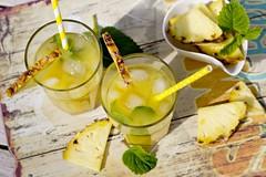 Ananas-Kokos-Getrnk (Frau Holle2011) Tags: sommer cocktail gelb ananas frucht pina colada getrnk saft kokos longdrink ananassaft