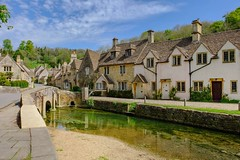 Pretty as a Picture (kateeanderson) Tags: old bridge england rural river countryside stream pretty village britain cotswolds wiltshire quaint picturesque chippenham cottages castlecombe movielocation englishvillage thecotswolds southwestengland bybrookriver downtonabbey