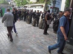 EN MODE DETENTE (marsupilami92) Tags: paris france frankreich ledefrance capitale 75 manifestation crs grve syndicat 12emearrondissement loielkhomri
