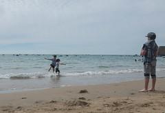 Teen (flowardent) Tags: plage andalousie enfance cadix andaloucia