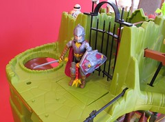 IMG_2588b (jedipatrick7) Tags: dragons fangs fortress playset dungeons advanced deeth ljn