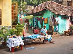 Kolkata - House (sharko333) Tags: voyage street travel people woman india house architecture asia asien child olympus asie kolkata indien reise em1 kalkutta  westbengalen