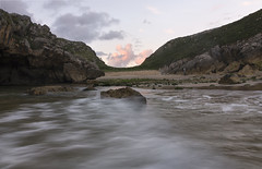 (izaguirrepeter) Tags: nikon nikond610 tokina1628mm tokina gran angular paisaje panorama playa asturias rocas