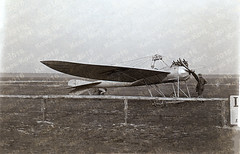 The Röver monoplane on the airfield Johannisthal (Berlin) [Germany, 1913] (Kees Kort Collection) Tags: germany 1913 monoplane johannisthal röver eindecker