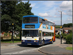 16699 (R699 DNH) Admirals Way (Jason 87030) Tags: bus volvo northamptonshire northants d2 doubledecker zebracrossing southbrook boroughhill admiralsway davenytry