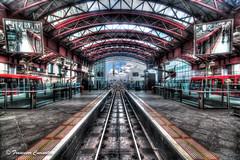 Canary Wharf (Francesco Cucinotta) Tags: england london unitedkingdom eisenbahn rail bahnhof rails canarywharf hdr regnounito perspektive inghilterra binari schienen verkehrsmittel vereinigtesknigreich