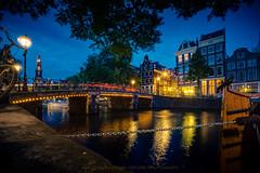 Amsterdam (erkan.oeztuerk) Tags: holland amsterdam architektur sonne grachten niederlande wass langzeitbelichtung blaue stunde a6000