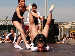 Da de la Danza (30) (calafellvalo) Tags: ballet girl youth dance fiesta child dancers danza folklore calafell tnzer nios tanz sitges baile flamenco garraf tanzen danser alegra roco juventud espectaculo danseurs costadorada calafellvalo rocieras esbarts danzadansabaileflamencoballetarmoniaolddancedancingbailarinas tanzmisik