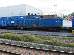 92517 Northenden 201012 (Dan86401) Tags: wagon flat container 92 gmc freight binliner modal northenden kfa intermodal 92517 greatermanchestercouncil standardwagon gmc92517 greatermanchesterbinliner