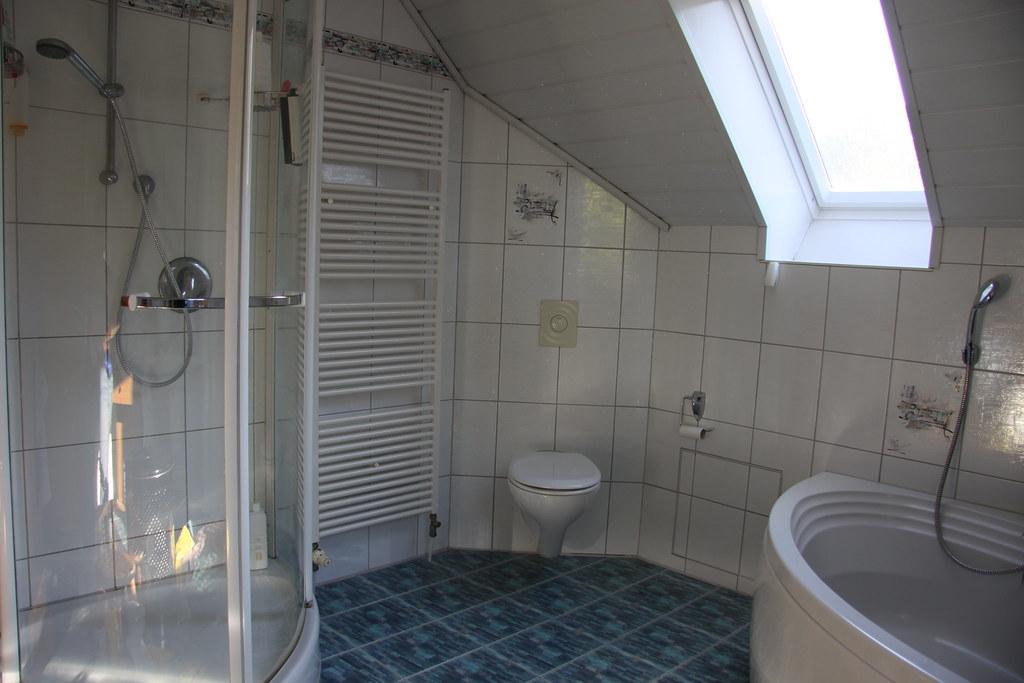 Badezimmer (12qm) (spsrgb1969) Tags: Bad Og Regensburg Badezimmer Dusche  Einfamilienhaus Obergeschoss