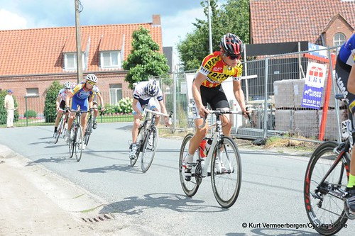 Minderhout (240)