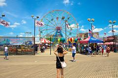 Getting a photo of Wonder Wheel (bwilliamp) Tags: nyc newyorkcity usa ny newyork brooklyn coneyisland boardwalk ferriswheel bigapple wonderwheel