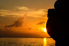 Zazil y la luz del atardecer 2 (pakalwaters) Tags: love mexico atardecer amor camila isla narciso mex ixchel zazil maternidad qroo nikond600 pakalwaters cuzamil varguez