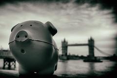 Piggy Noir (publicenergy) Tags: london pig nokia columbo nokialumia920 lumia920