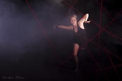 La femme araigne (Pose Emotions) Tags: portrait woman studio rouge spider nikon femme danse elodie araigne d5100