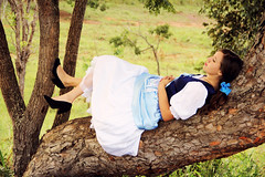 (Natalia Colombo) Tags: old sleeping portrait woman nature girl beautiful beauty face forest vintage retrato alice mulher bosque thinking wonderland menina floresta pensativa pesando