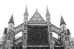 Westminster Abbey (Neus Martnez) Tags: white black building london blanco church westminster abbey arquitectura y cathedral negro edificio catedral iglesia londres arquitecture abadia
