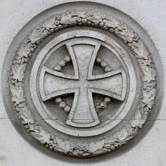 cross (Leo Reynolds) Tags: xleol30x squaredcircle cross cemetery cemeterysymbol sqset115 canon eos 70d xx2015xx sqset