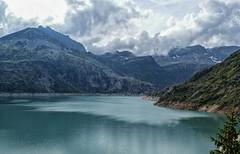 Lago Emosson - Suiza (bervaz) Tags: mountain lake lago suiza sony alpha 18200 a100 montaas valais emosson 18200mmf3556 dslra100 sal18200