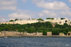 Istanbul:By ferry towards the Princes' Islands. (roxykon) Tags: turkey cityscape istanbul tamron1750mmf28 pentaxk5