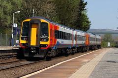 EDALE STATION DERBYSHIRE (Andrew Mansfield - Sheffield UK) Tags: train tren derbyshire peakdistrict trains railways treno edale ferrocarril dmu class158 158810 158780 eastmidlandtrains edalestation