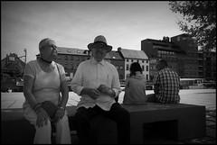 Aalst (B) - Werfplein - 2016/05/09 (Geert Haelterman) Tags: blackandwhite white black monochrome belgium candid streetphotography fujifilm zwart wit geert streetshot aalst x10 alost photoderue straatfotografie photographiederue fotografadecalle strassenfotografie fotografiadistrada haelterman