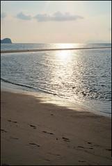 160424 Langkawi Sunset 26 (Haris Abdul Rahman) Tags: family sunset vacation beach malaysia langkawi kedah tanjungrhu tanjungrhuresort sunsetpool harisabdulrahman harisrahmancom fotobyhariscom