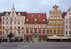 Houses in the market square (Grzesiek.) Tags: house dom nopeople wroclaw marketsquare rynek budynek kamienica