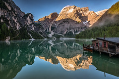 Sunrise at the lake (Achim Thomae) Tags: italien summer alpen unescoworldheritage dolomites südtirol dolomiten 2016 altoadiga thomae achimthomae unescoweltnaturerbe