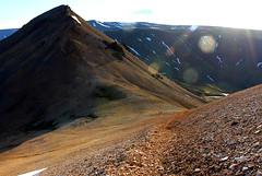Mskarshnjkar (Freyja H.) Tags: iceland mskarshnjkar mountain mountainside rock scree rhyolite geology landscape outdoor nature sun sky flare snow