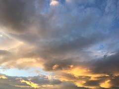 Good night (karine_avec_1_k) Tags: cloud white black grey gris big noir nuage blanc gros