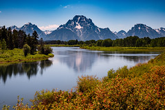 Oxbow Bend (Amar Raavi) Tags: sky mountain reflection nature river landscape nationalpark unitedstates snakeriver wyoming teton nationalparkservice grandteton jacksonhole grandtetonnationalpark oxbowbend mountmoron