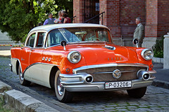 Buick Roadmaster (1955 or 1956) (Albert Lugosi) Tags: buick oldtimer roadmaster