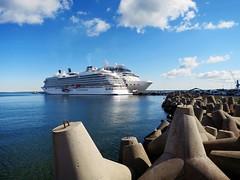 Tallin (Carlo Mirante) Tags: travel panorama cloud port canon boat photo amazing estonia nuvole mare blu vessel baltic nave porto cruiseship viaggi crociera tallin crucero celebritycruise s200 fotografando baltico crociere
